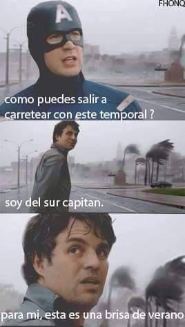 Mientras, aquí en Chile - meme