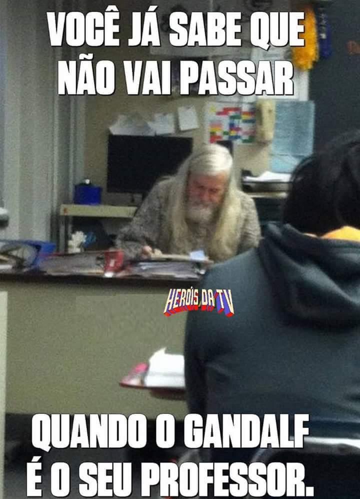 Gandalf esta vivo - meme