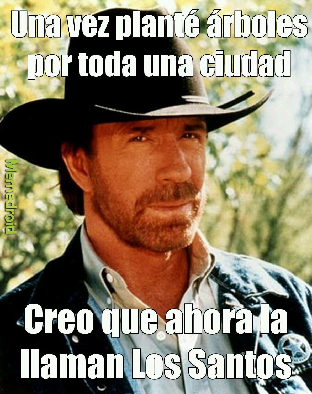Chuck Norris eres un desmadre - meme