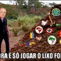 D. Luiz, nosso futuro Imperador colocando o lixo para fora