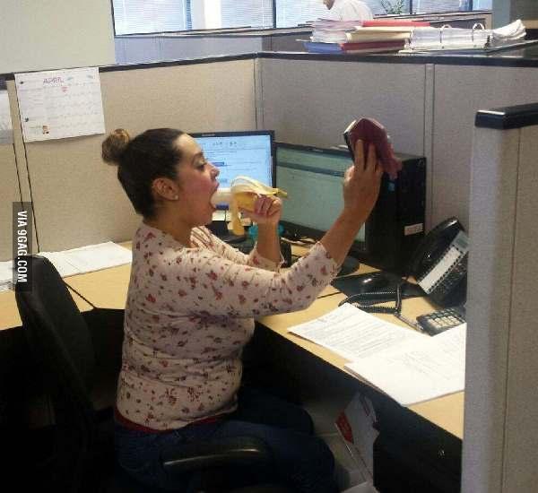 J'ai surpris ma collègue en plein selfie... - meme