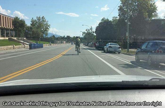 Bikers are asshols - meme