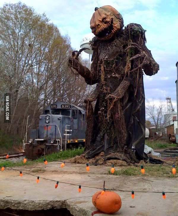 Halloween et ses statues - meme
