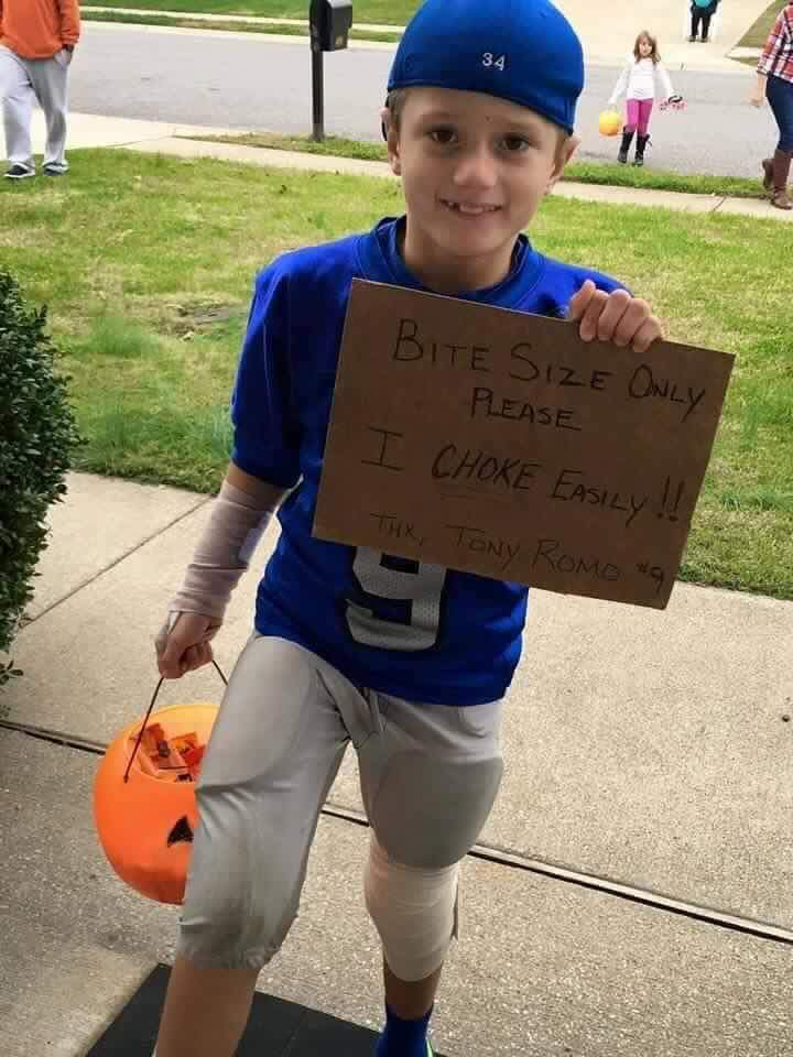 Great costume for football fans (sorry to non fans). Tony Romo:choke artist - meme