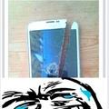 O título quer vender esse celular, só tem esse pequeno detalhe...