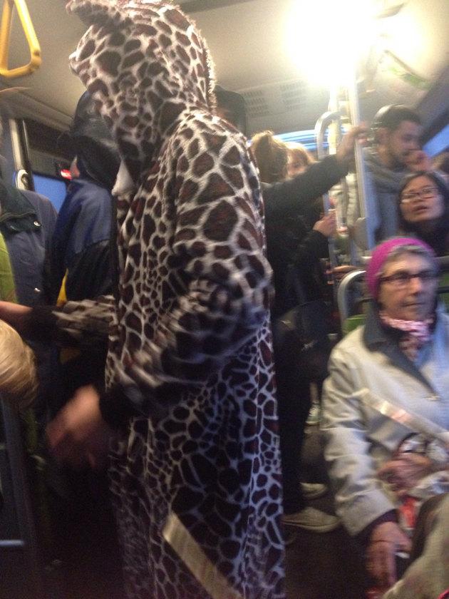 Y a de ces gens dans le bus xD - meme