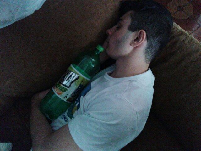 Homem gosta de dormir com dolly - meme