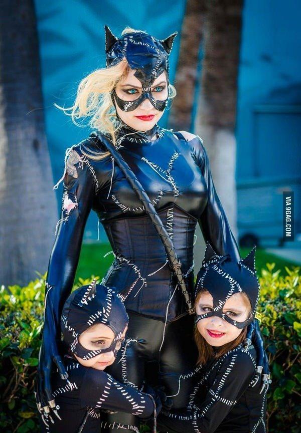 Cosplay level catwoman... Et ses enfants - meme