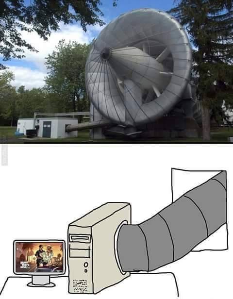 Mi pc intentando correr GTA V - meme