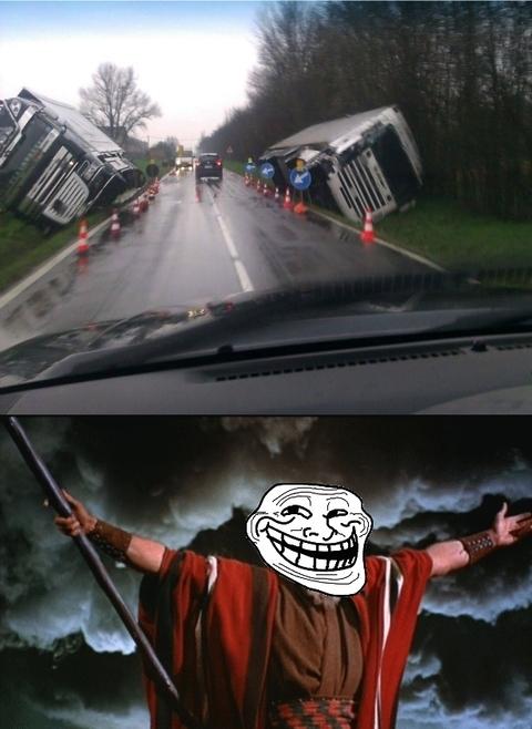 Los poderes de Moisés también se actualizan en los tiempos modernos - meme