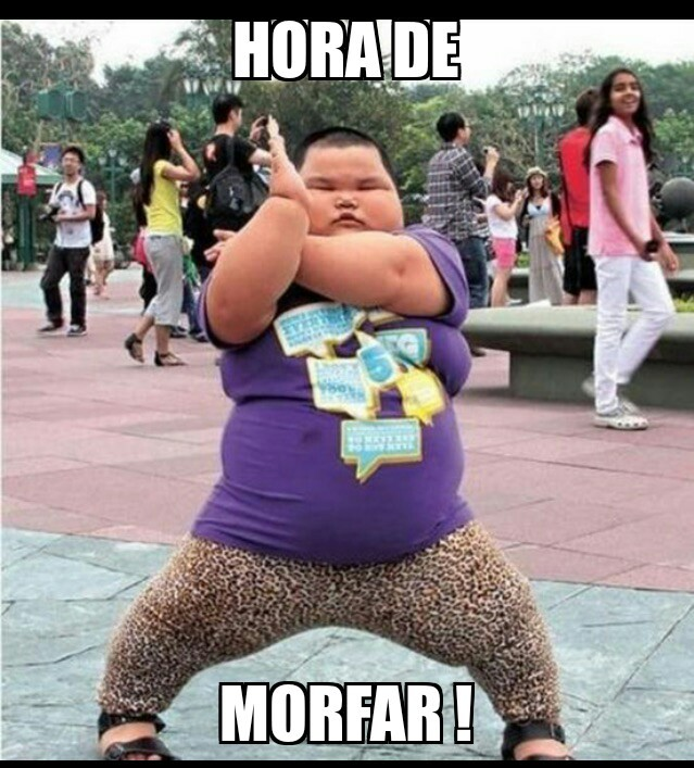 "LOL ""Morfar"" coube dentro das pernas dele! kk - meme"