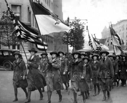 Girl scouts in 1912 looked pretty badass - meme