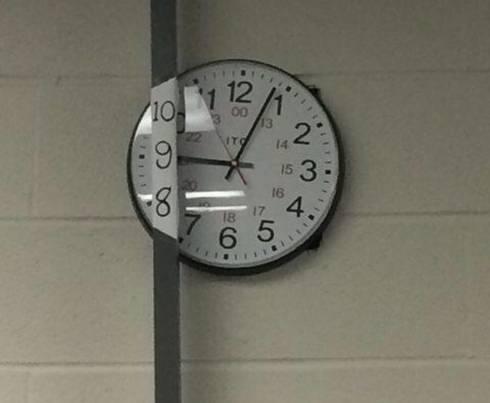 Relógio de um BR!!!.. - meme