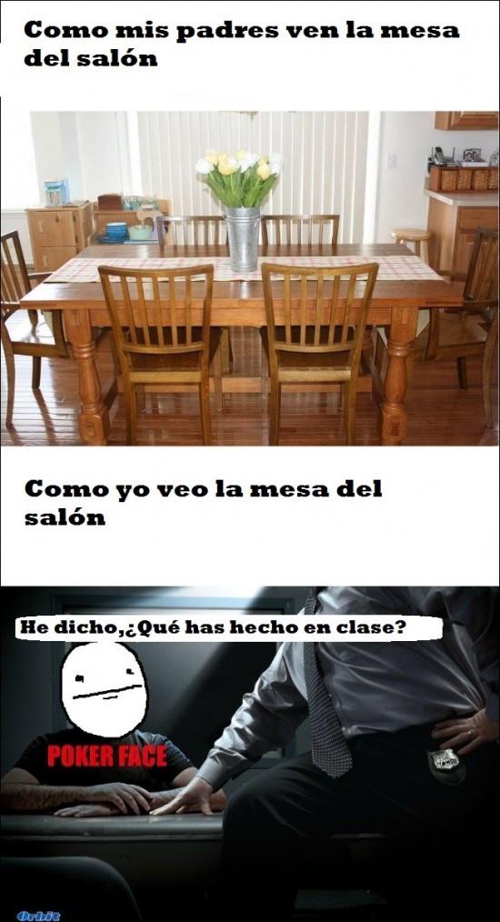 Como veo la mesa del salon - meme