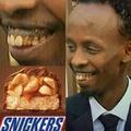 Il a dû snicker les dents.