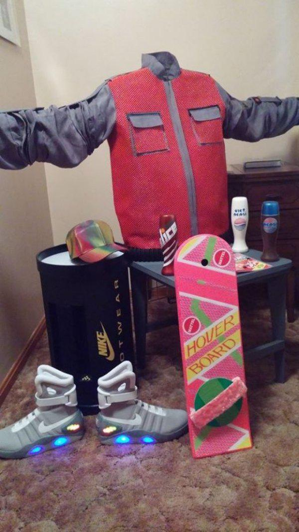 """Predicciones de la pelicula """"back to the future""""....sigo esperando las hoverboards - meme"""