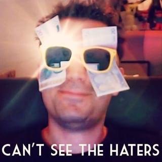 TRADUCTION : Je ne peut pas voir les haters. - meme