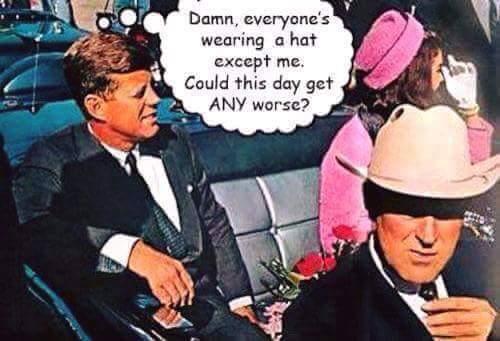 TRADUCTION: sacrebleu, tout le monde porte un chapeau sauf moi, comment cette journée pourrait être pire... (c'est mieux si t'as compris en anglais) - meme