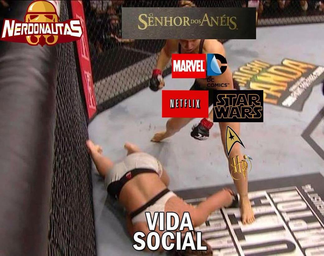 Vida social is dead - meme
