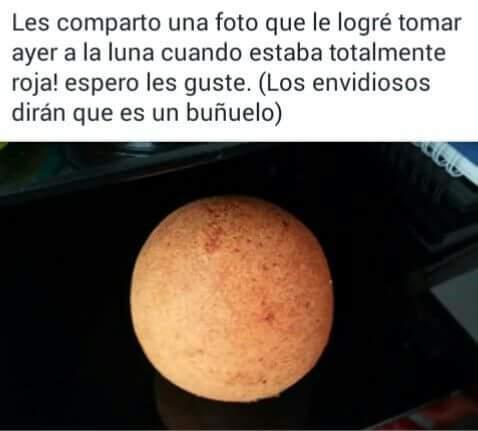 La luna roja - meme
