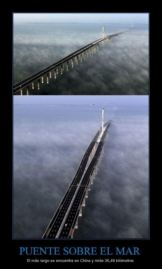 Puente en las nubes - meme