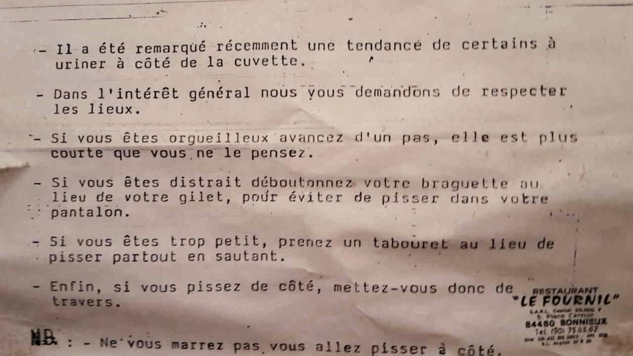 Dans les toilettes d'un resto, à Marseille... - meme