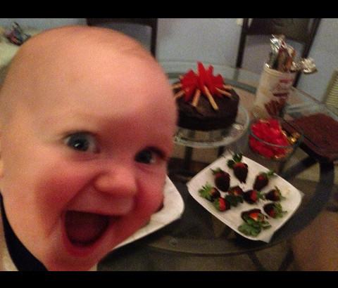 Quand ton enfant se tape l'incruste sur la photo - meme