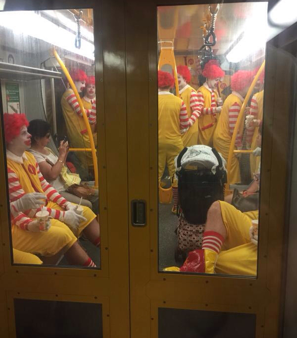 L'invasion Ronald MacDonald a commencer - meme