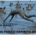 Samarco adverte banho de lama é bom pra Pele