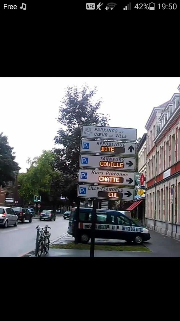Un Hacker à changer les noms de parking a Lille XD - meme