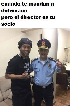 ronaldinho preso en paraguay gano 7 a 0 en los juegos del recreo de los presos - meme