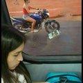 Vôce pode ser multado se andar de moto sem capacete