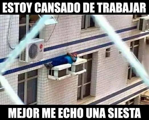 Venezolano consigue un trabajo - meme