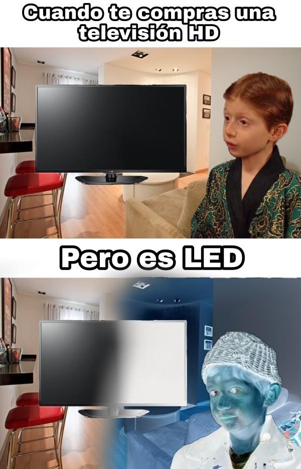 Así es mi tele :c - meme