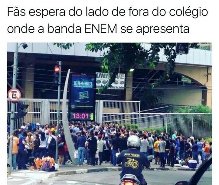 famosa banda enem e seus fãs - meme