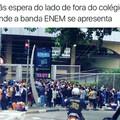 famosa banda enem e seus fãs