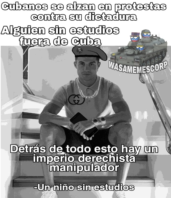 El imperio manipulo a los cubanos para que arruinen el paraíso Socialista (traducción: me pegan en casa ayuda) - meme