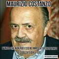 Per chi non lo sapesse si narra che Maurizio Costanzo non abbia il collo