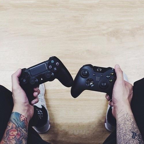 Dificil desición, yo soy PS4 :) - meme
