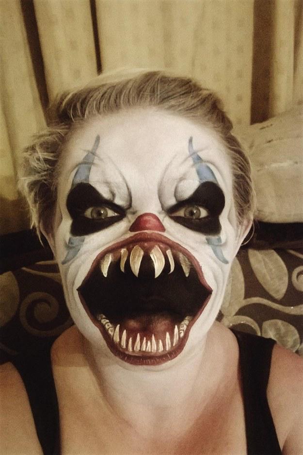 Ai você não sabe fazer nem uma maquiagem normal e tem gente que faz isso - meme