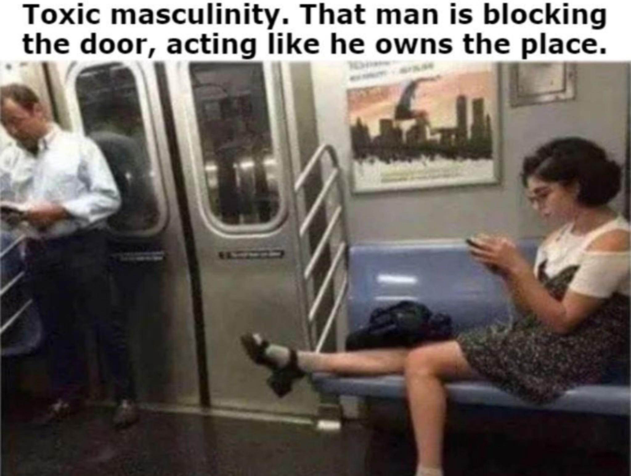 #ToxicFeminity - meme