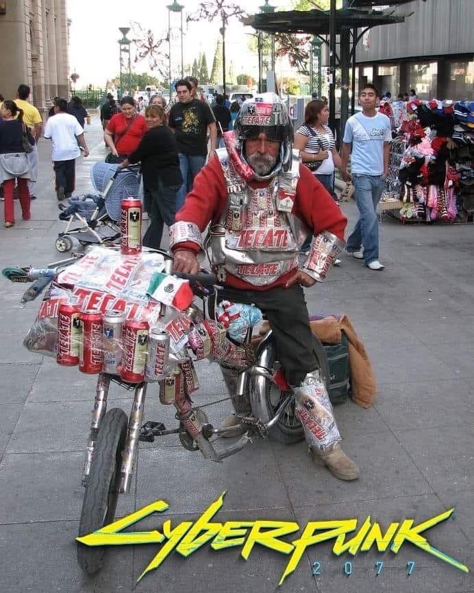 a ese wey siempre me lo topo en la Macroplaza (por ahí del centro de Monterrey) - meme