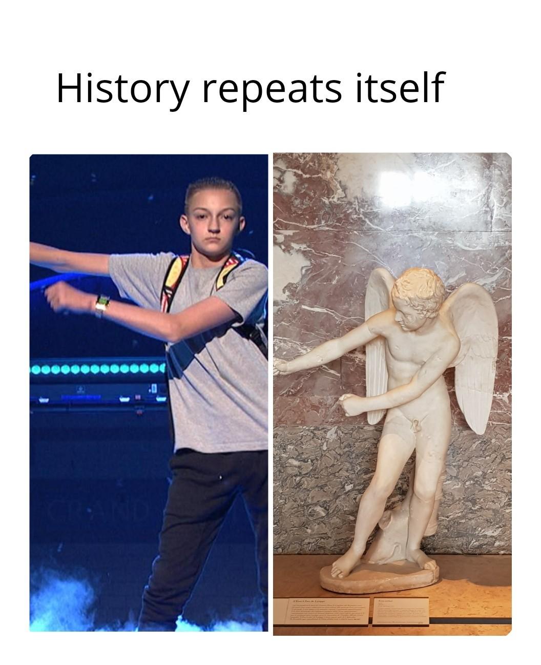 Flossing greek statue - meme