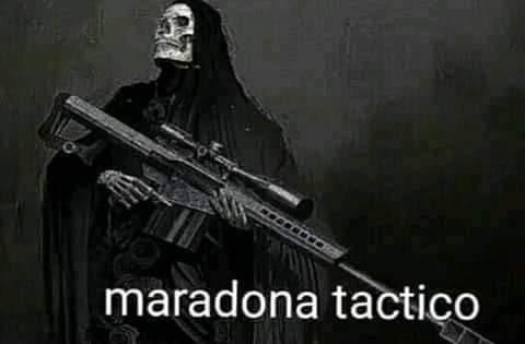 Maradona táctico, no se ofendan - meme