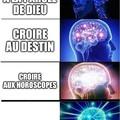 Utilise meme generator ceux qui veulent faire des memes
