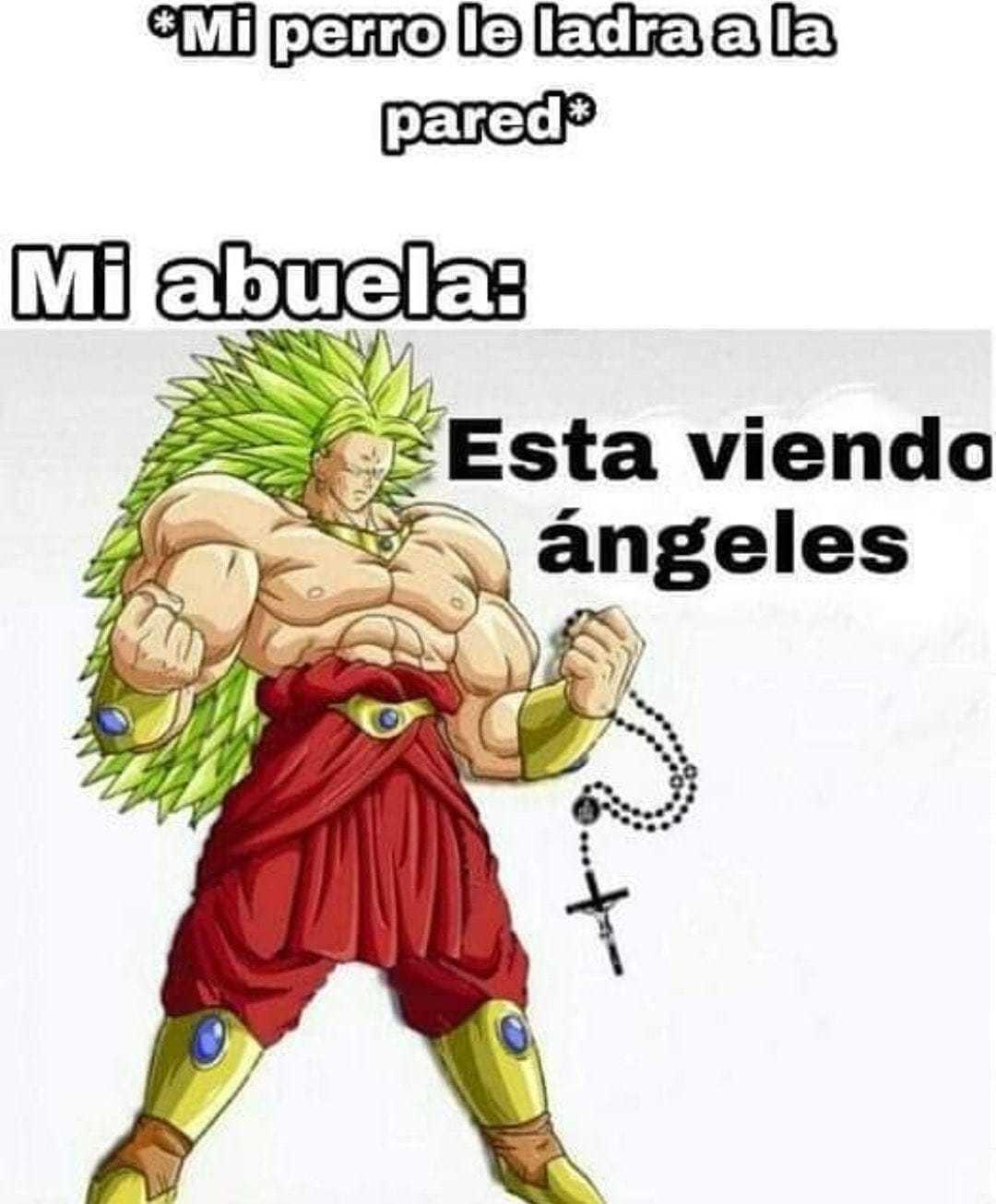 Típico de abuelitas latinas - meme