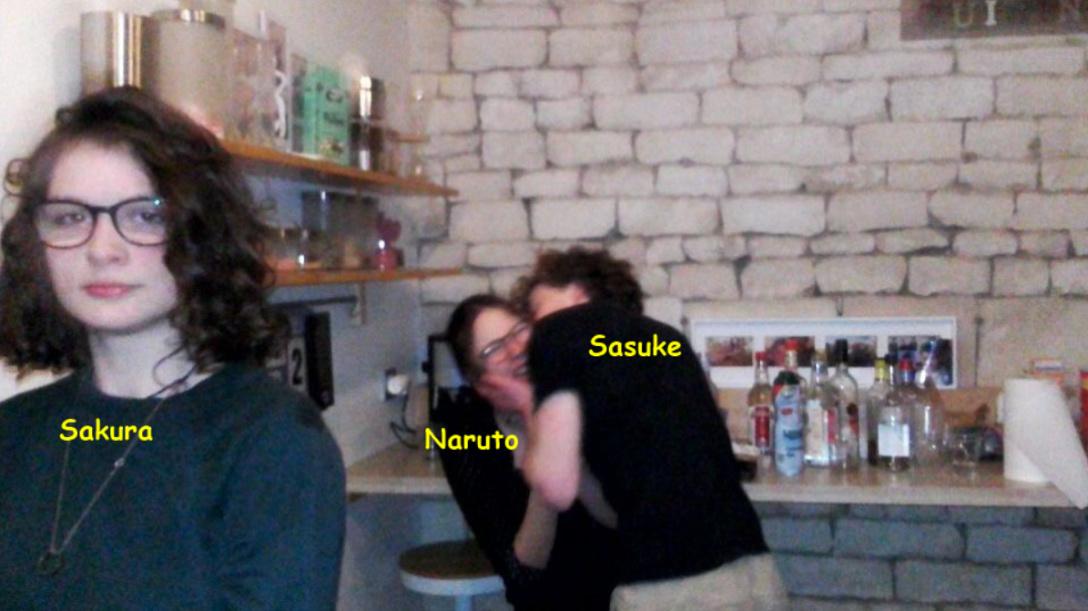 Sakura vs Naruto x Sasuke - meme