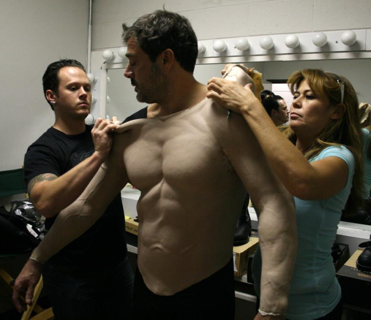 Behind the scenes peek at the usual training routine of some Hollywood actors - meme