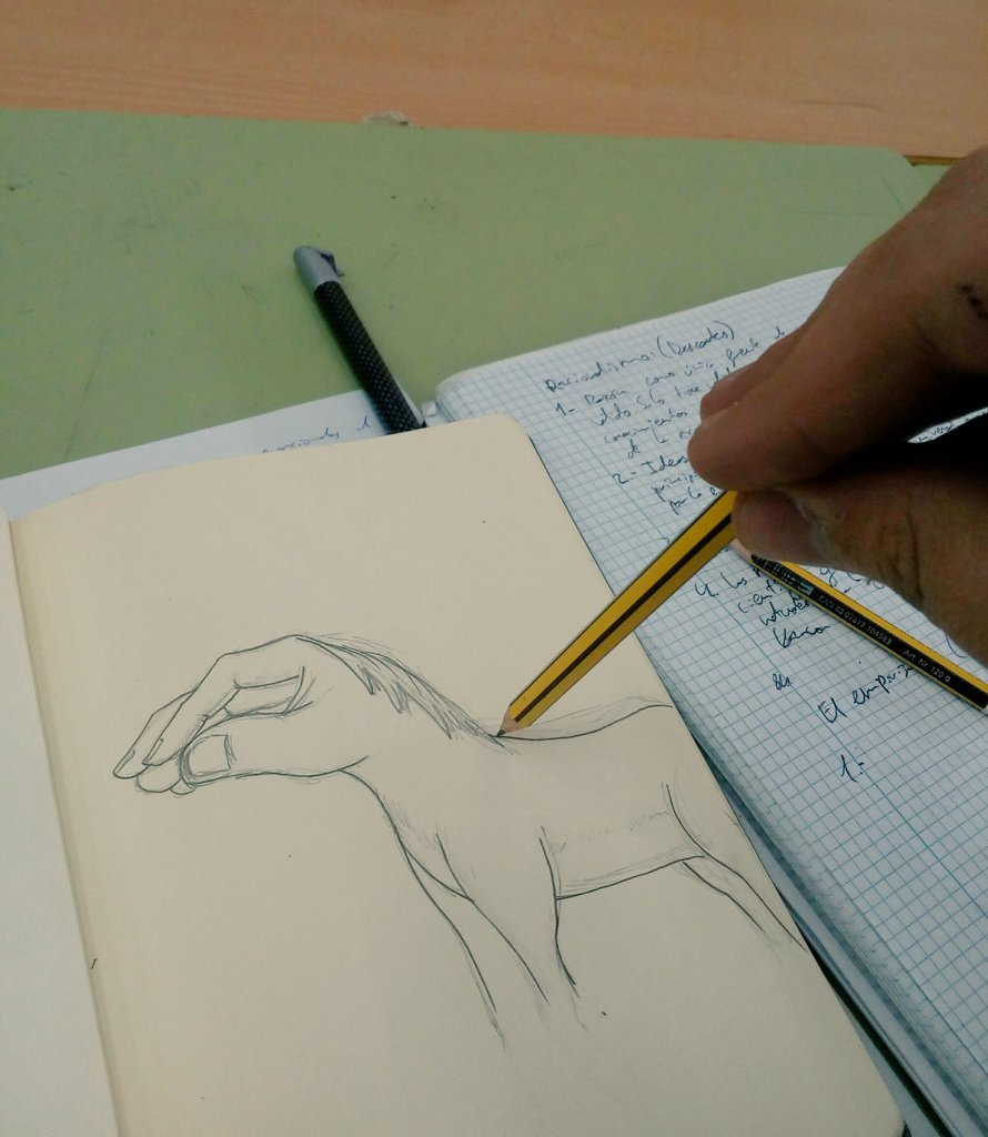 como dibujan un caballo los italianos - meme