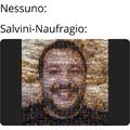 Un ritratto di Salvini fatto con foto di naufragi... non vedo nessun secondo fine...